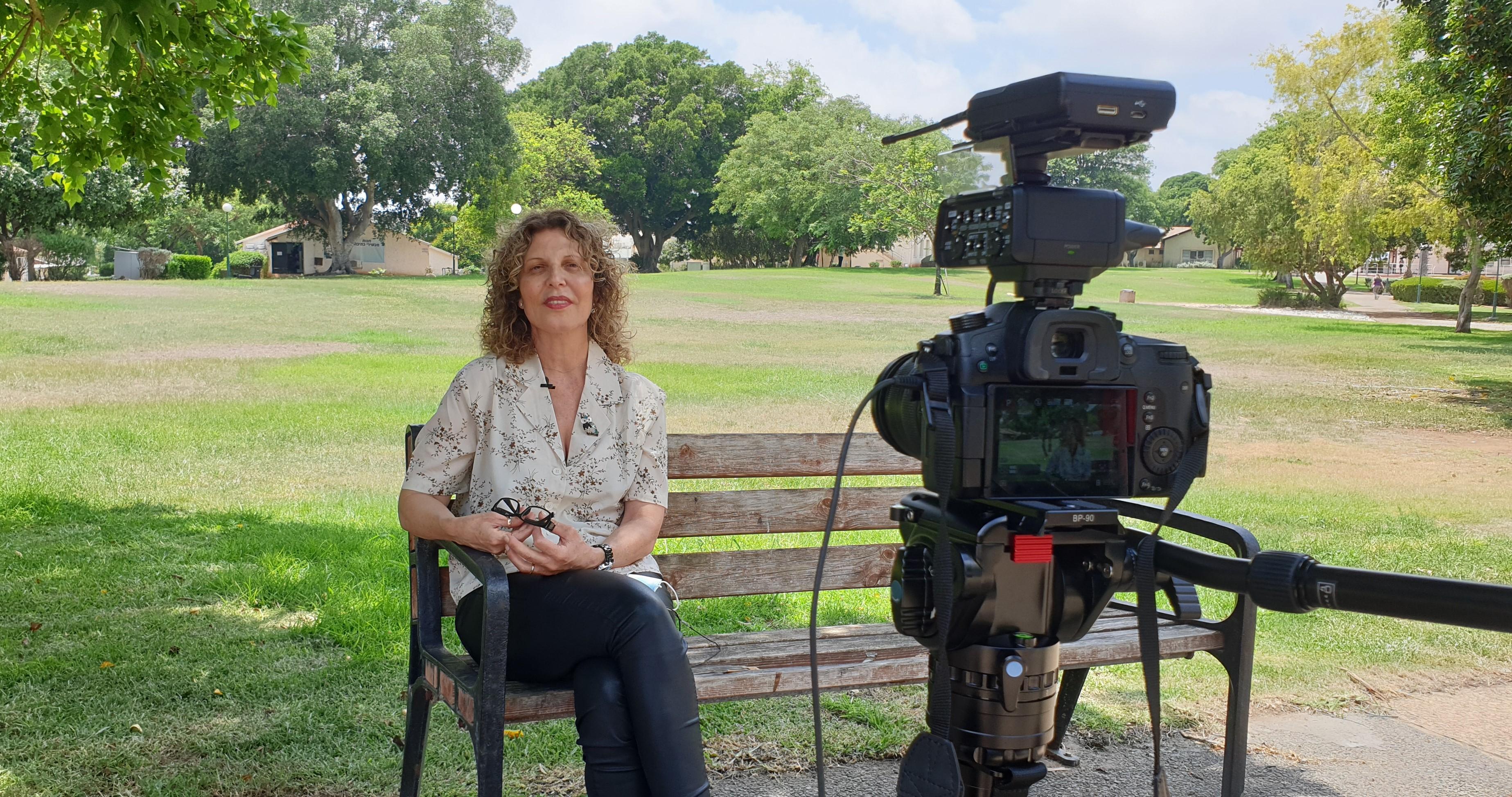 גלגל הפקות ראיון